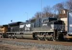 NS 2702